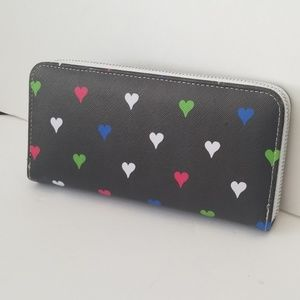 NWOT Chloe Alexis Heart Zipper Wallet